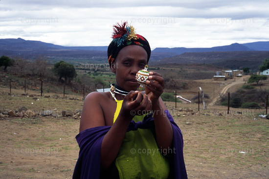 The Thembalethu Beaders of Keate's Drift