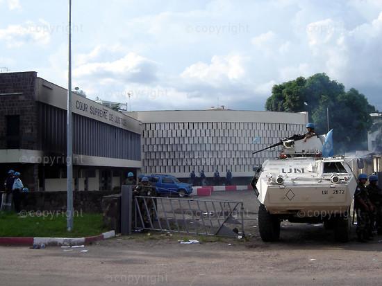 2006/11/21. Fire at Kinshasa's Supreme Court.