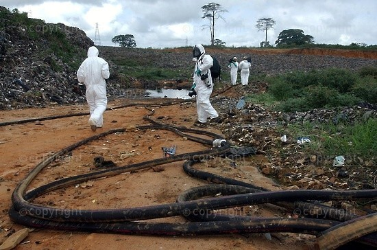 2006/09/18. Toxic waste cleanup start in Abidjan.