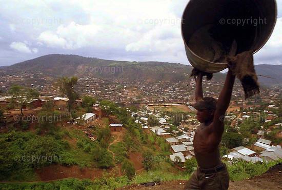 2002/01/07. Gakinjiro Artisans' Shed in Kigali, Rwanda