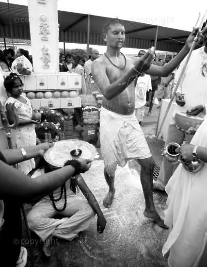 S-AFRICA-HINDU-KAVADY-FESTIVAL